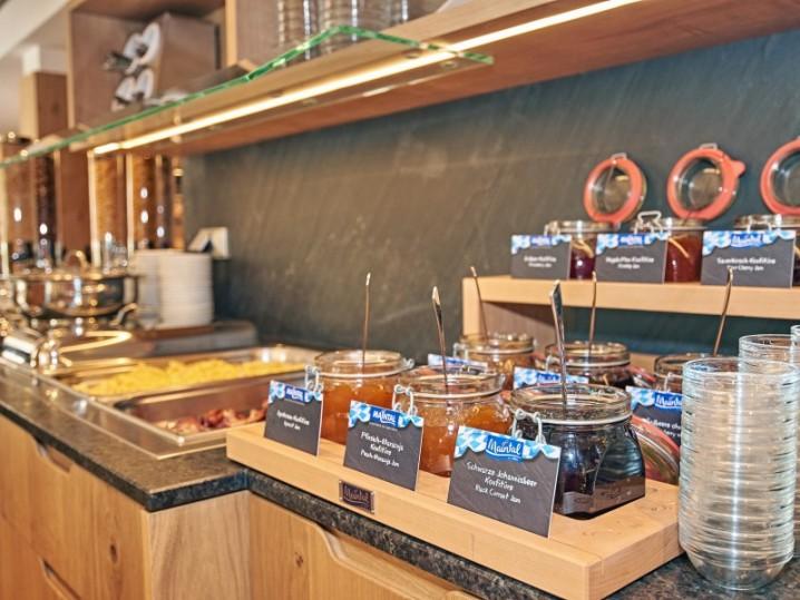 Marmeladenauswahl im Hotel