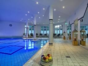 Schwimmbad des Hotel Grünberger in Berchtesgaden